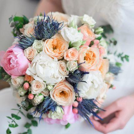 Букет невесты из эустом и роз