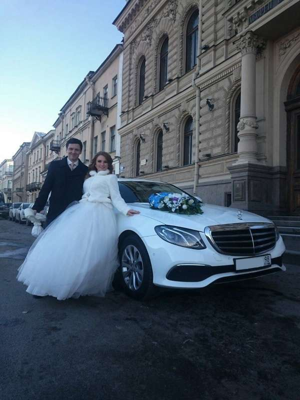 Фото 13145836 в коллекции Mercedes Benz, BMW на свадьбу - WhiteCo - аренда автомобилей на мероприятия