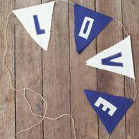 Гирлянда-флажки из ткани LOVE
