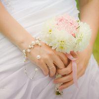 Букет невесты из розовых и белых астр