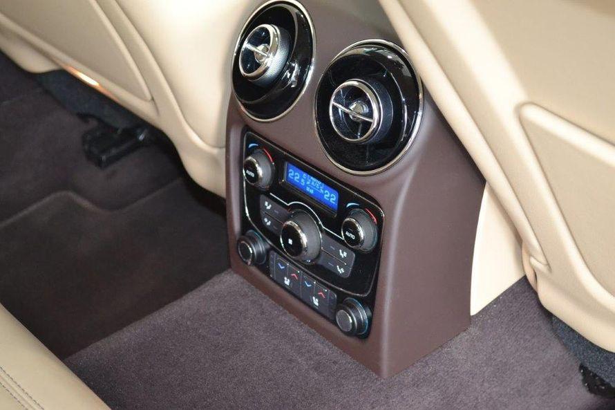 """Безупречный Jaguar XJ (2016). Салон: светлая кожа, чётырёхзонный климат-контроль, люк. - фото 13986258 Транспортная компания """"Алмаз авто"""""""
