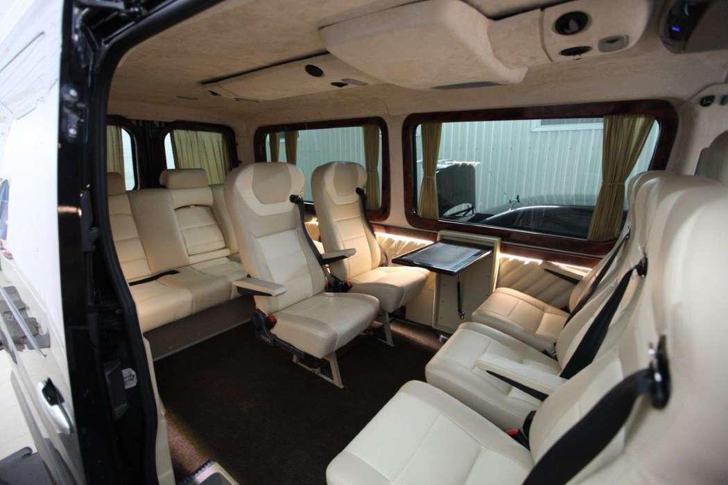 """- Mercedes Benz Sprinter (9+1 мест) - Салон комби: кожа. - Анатомические кресла установлены по направлению движения, откидывающиеся спинки на 90 %. Подлокотники. - Большое расстояние между креслами позволяет комфортно располажиться на дальние расстояния.  - фото 13986338 Транспортная компания """"Алмаз авто"""""""