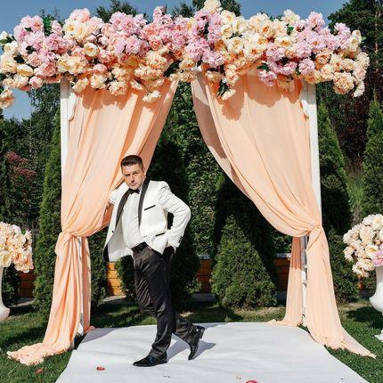 Проведение свадьбы, скидка на свадьбы в июне
