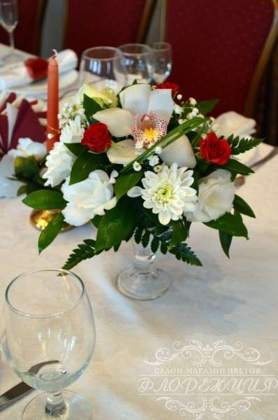 Фото 6465446 в коллекции Оформление залов и выездных регистраций живыми цветами - Флорист Снежана Арт
