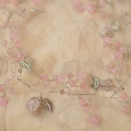 "Свадебная веточка, ободок из розового кварца ""Розовая дымка"""