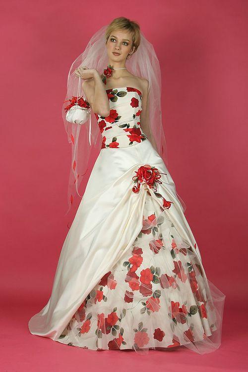 Фото с необычными платьями