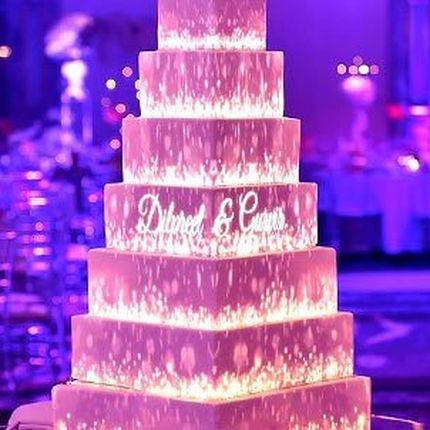 Световое шоу на свадебный торт (маппинг)