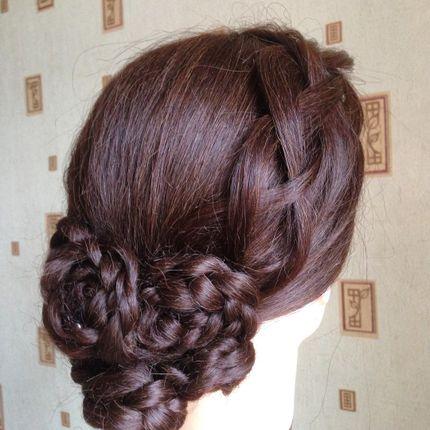 Причёска Пучок из кос