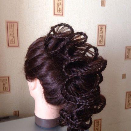 """Причёска для длинных волос """"Волан"""""""