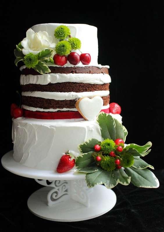 """торт с живыми цветами и ягодами 1500р/кг - фото 14462004 Кондитерская """"Симфония вкуса"""""""