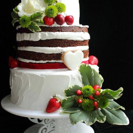Свадебный торт, украшен крем-чизом, цена за 1 кг