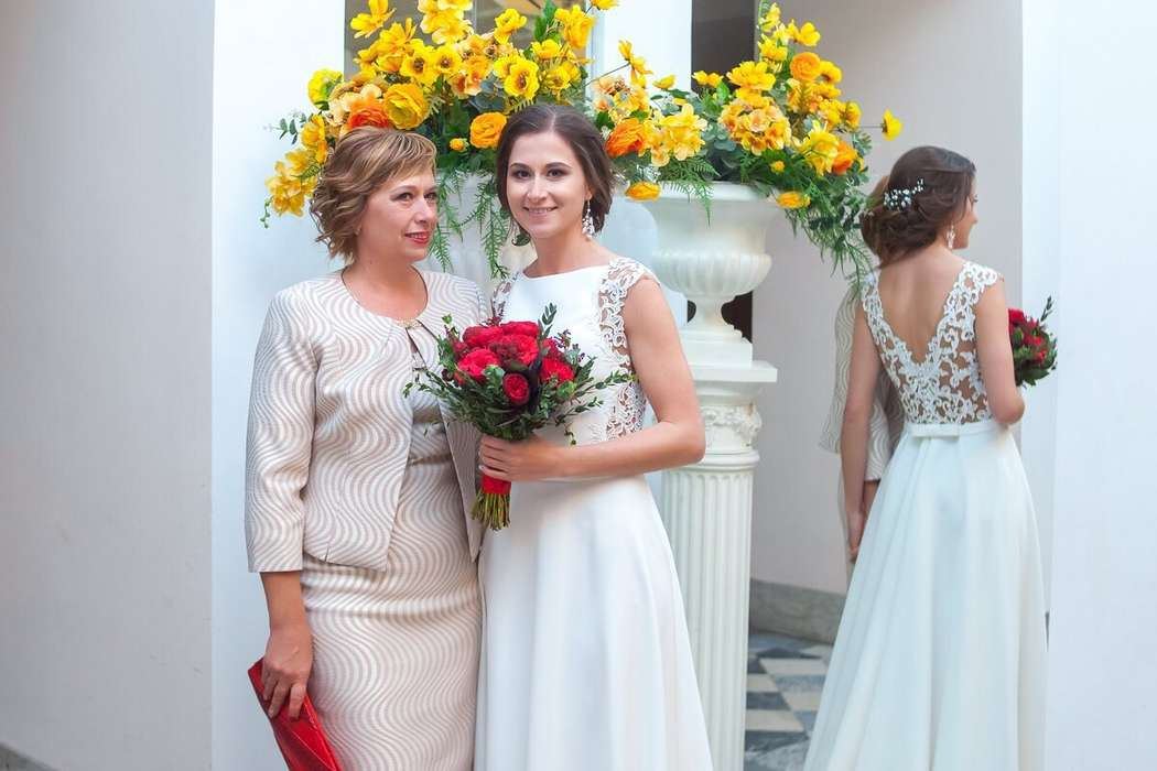 Невеста Саля с мамой, макияж и прическа я :) - фото 16551732 Стилист Екатерина Харченко