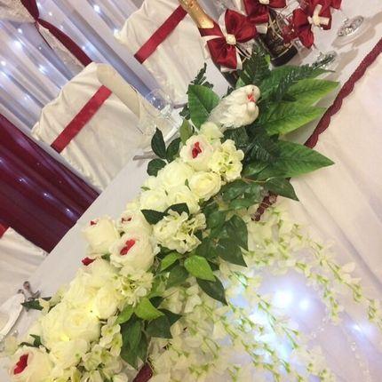 """Оформление зала в бордово-белом цвете """"Raffaello"""""""