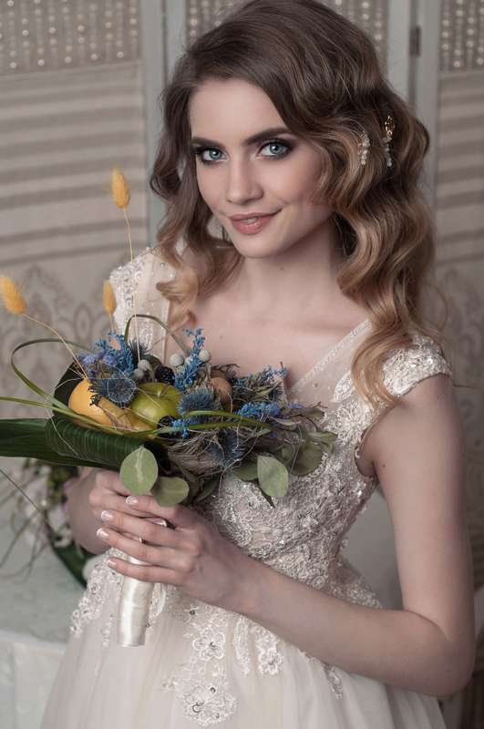 Model  - фото 15028596 Bead brad accessories - свадебные украшения