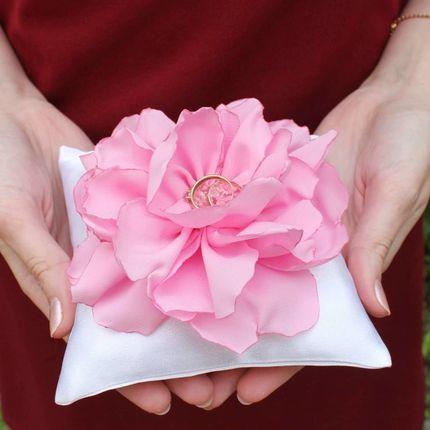 Подушечка для колец с цветком