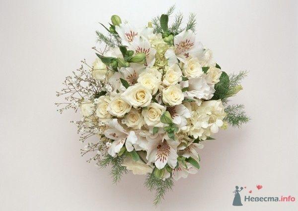 Букет невесты из белых роз и белых альстромерий - фото 50610 Вашкетова Юлия - организатор свадеб, флорист.