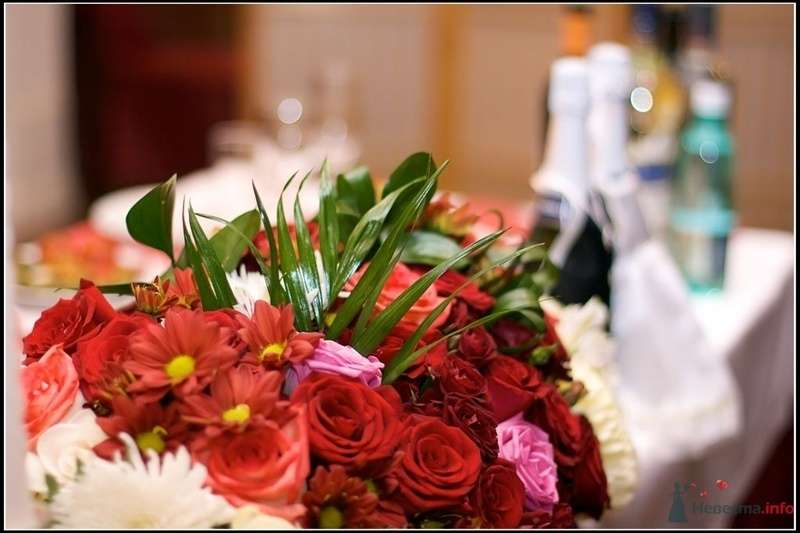 Композиция на стол жениха и невесты - фото 78605 Вашкетова Юлия - организатор свадеб, флорист.