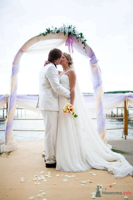 Выездная регистрация на пирсе.  - фото 80323 Вашкетова Юлия - организатор свадеб, флорист.