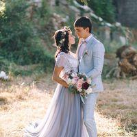 Веночек из живых цветов смотрится на невестах просто восхитительно!