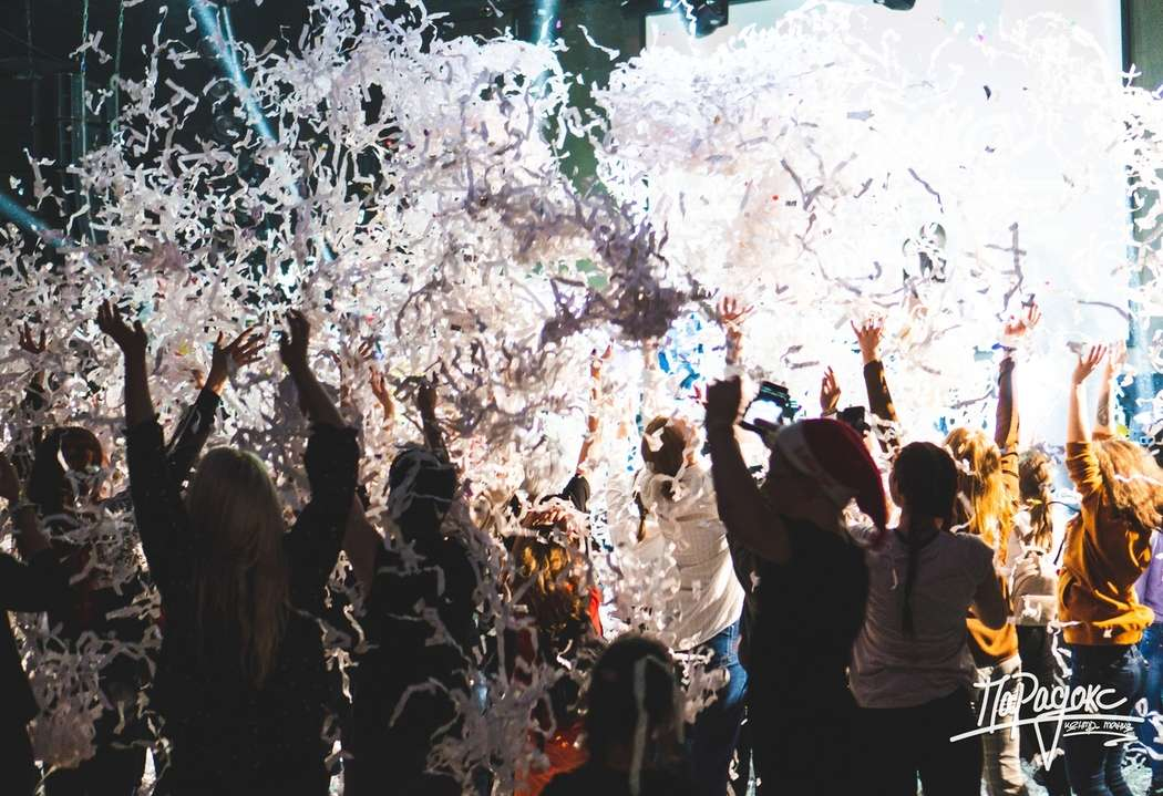 "Фото 17976572 в коллекции Бумажное шоу|ТЮМЕНЬ - Бумажное шоу ""Euphoria"" - шоу конфетти"