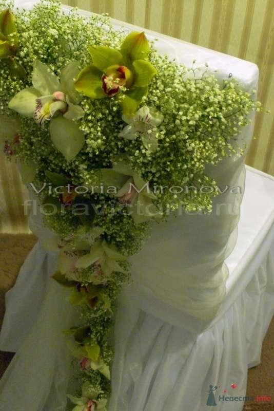 Свадебное украшение стульев - фото 29406 Cвадебная флористика и декор событий FloraVictoria