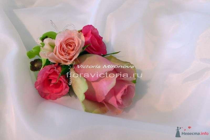 Бутоньерка для жениха - фото 36291 Cвадебная флористика и декор событий FloraVictoria