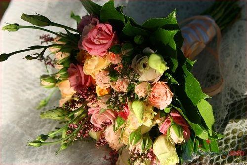 """букет невесты из лизиантуса и кустовой розы - фото 1440 Мастерская флористики """"Bouton"""""""