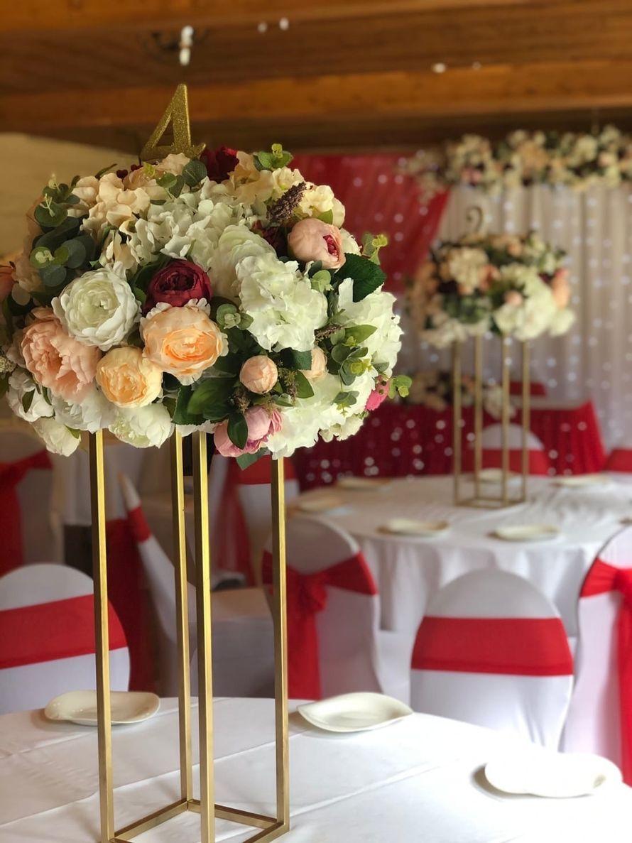 Цветы на столы гостей - фото 19963493 Студия оформления Анны Быстровой