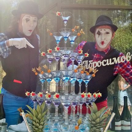 Коктейльная пирамида шампанского