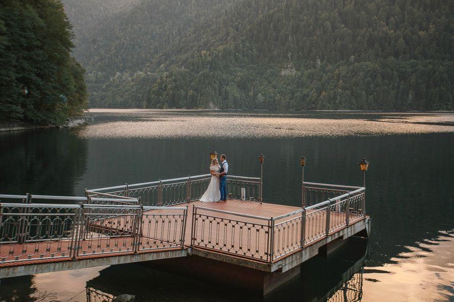 Фото коротких свадебных перчаток