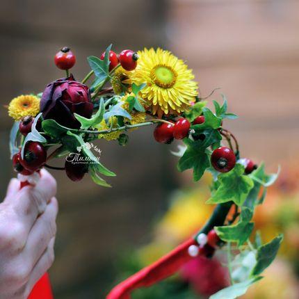 Ободок из живых цветов