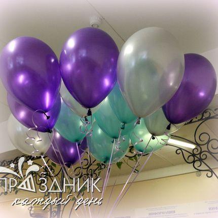 Воздушные шары с гелием в оформлении зала