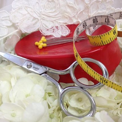 Подшив и подгон по фигуре свадебного платья