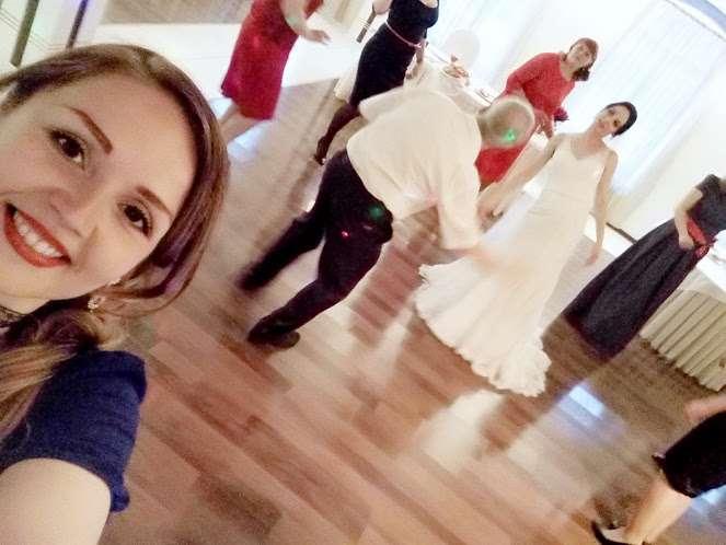 Семейная свадьба в узком кругу тоже должна быть зажигательной и весёлой! - фото 17579102 Ведущая Оксана Уколова