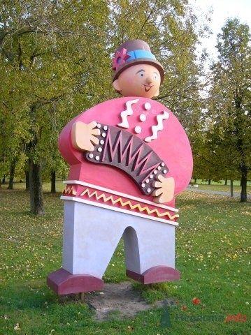 болванчик в парке 50-летия октября - фото 53995 Logika