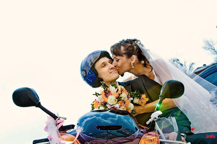 Свадебная пара на мотоцикле - фото 93725 Фотограф Владимир Будков