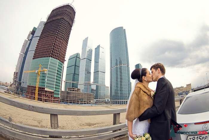 Фотография молодоженов около Москва-Сити - фото 98377 Фотограф Владимир Будков