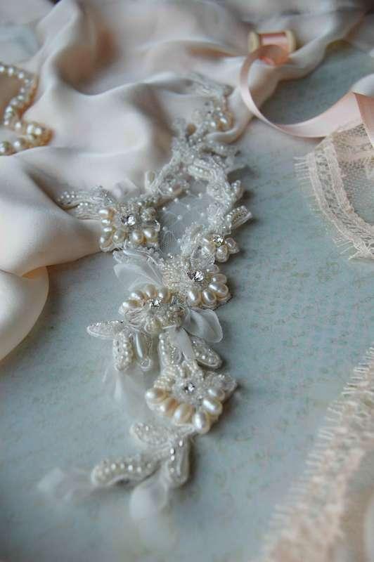 Вышивка на кружеве речным жемчугом, кристаллами swarovski , японским бисером и французскими паетками от Марии Евсеенко - фото 17200754 Мария Евсеенко - ювелирные украшения