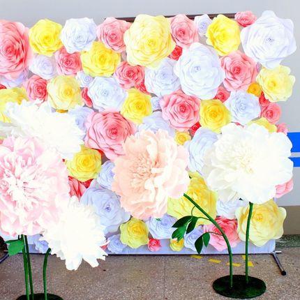 Стена из цветов в оформлении фотосессий
