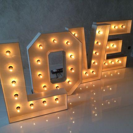Светящиеся буквы в аренду