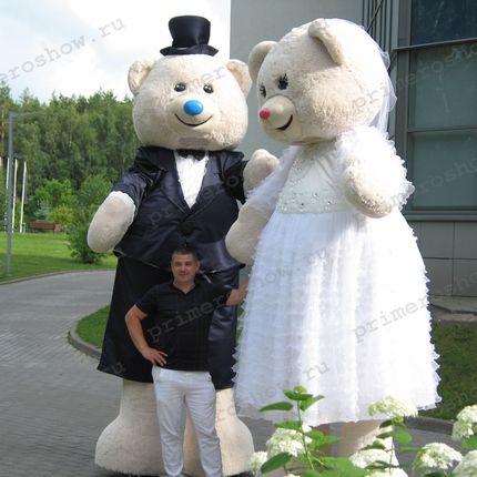 Выступление свадебных мишек