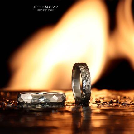 """Обручальные кольца """"Сияние"""" и """"Грани"""" из белого золота"""