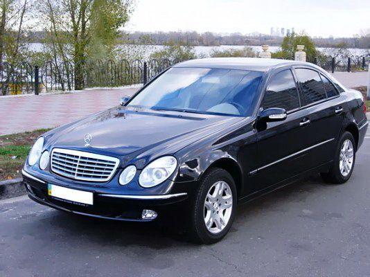 121 Mercedes W211 Е-класса аренда, 1 час