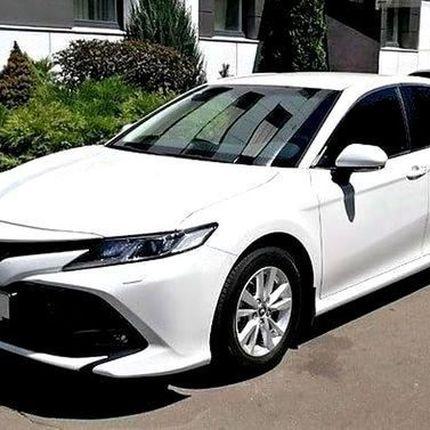 389 Аренда Toyota Camry V70 белая