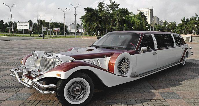034 Лимузин ретро Excalibur бело-бордовый в аренду, 3 часа
