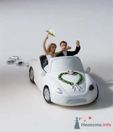 Жених и невеста в машине - фото 53549 RosyDog – свадебные аксессуары из Америки и Европы