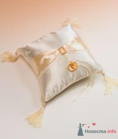 Подушка для колец. Атлас. Золото - фото 53568 RosyDog – свадебные аксессуары из Америки и Европы
