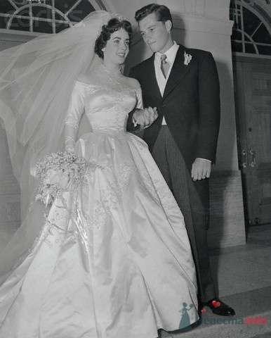 "Лиз Тейлор и её муж №1 - ""золотой мальчик"" Конрад ""Ники"" Хилтон - фото 56076 Incognito"
