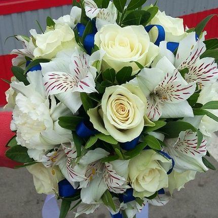 Букет невесты сине-белый