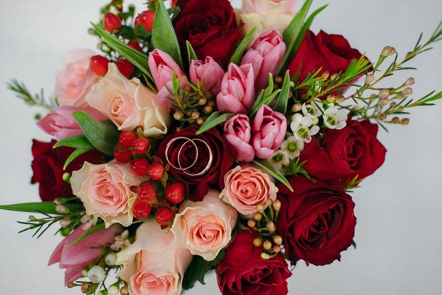 """Страстный букет невесты с тюльпанами 2018 - фото 18091760 Студия декора """"Lovely"""""""